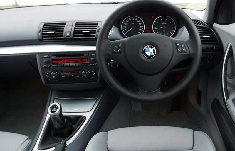 BMW 1 Series E87 E88 E82 E81 dashboard