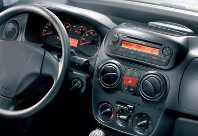 Fiat Fiorino factory radio