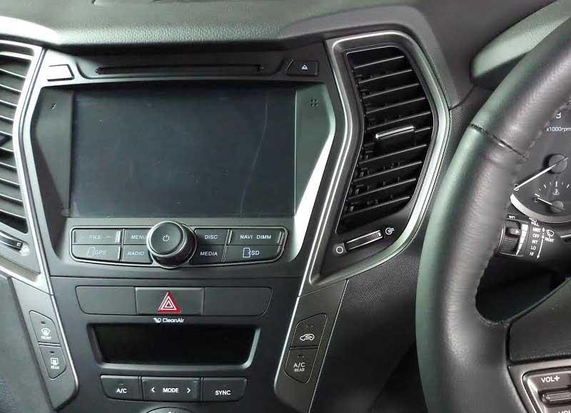 Hyundai Santa Fe factory radio