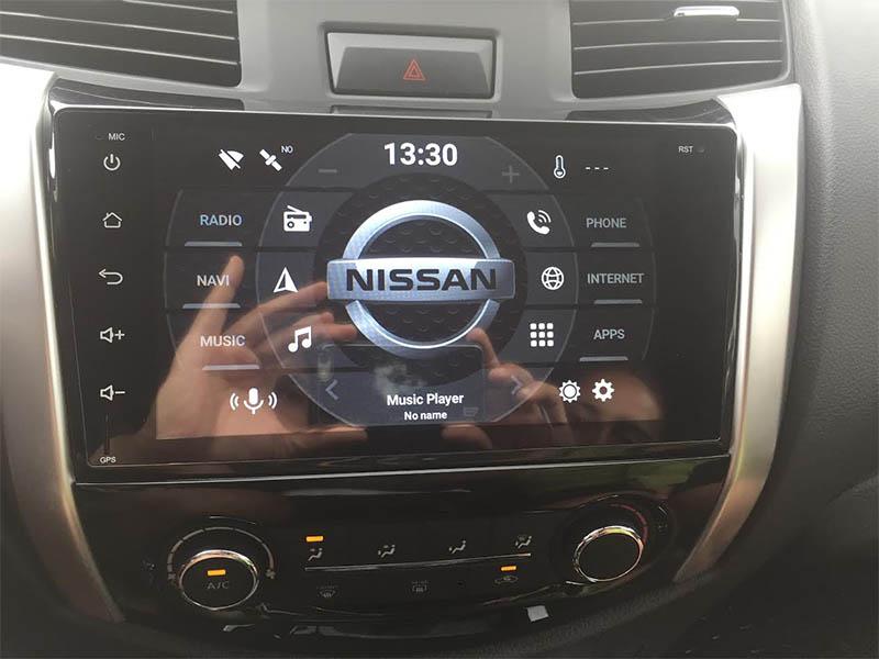 Nissan NP300 Navara 2014-2019 factory radio