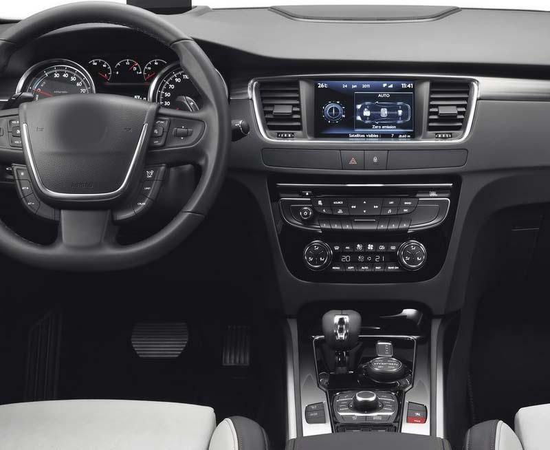Peugeot 508 2011-2018 factory radio