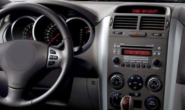 Suzuki Grand Vitara factory radio