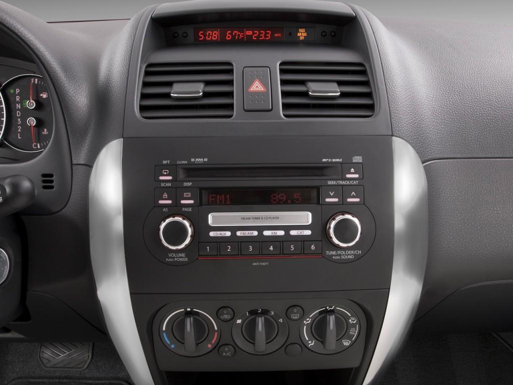 Suzuki SX4 factory radio