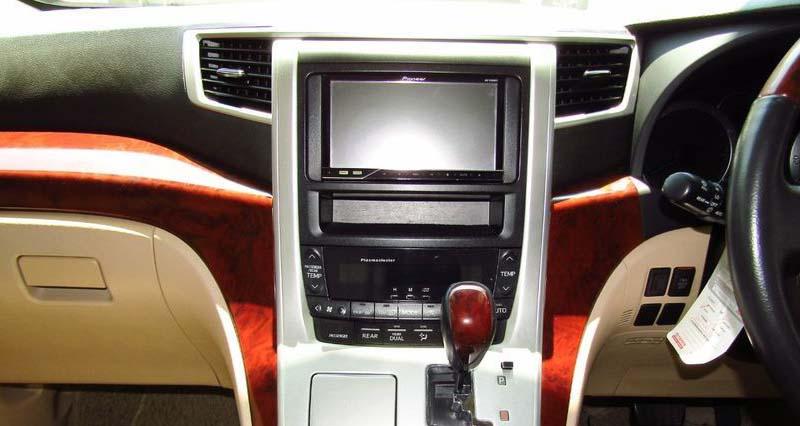 Toyota Alphard 2007-2013 factory radio
