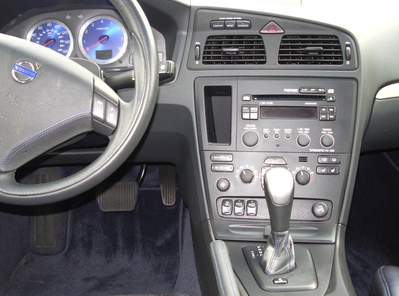 Volvo V70 S60 factory radio
