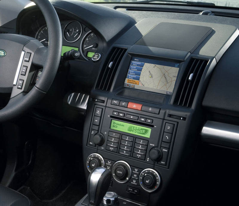 Land Rover Freelander II 2 factory radio